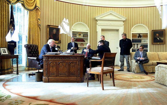 Bei ihrem Telefonat am Samstagabend haben die Präsidenten Russlands und der USA, Wladimir Putin und Donald Trump, die Situation in Syrien erörtert und die Vorrangigkeit eines Zusammenschlusses von Bemühungen im Kampf gegen die größte Bedrohung, den internationalen Terrorismus hervorgehoben, wie der Kreml-Pressedienst mitteilte.