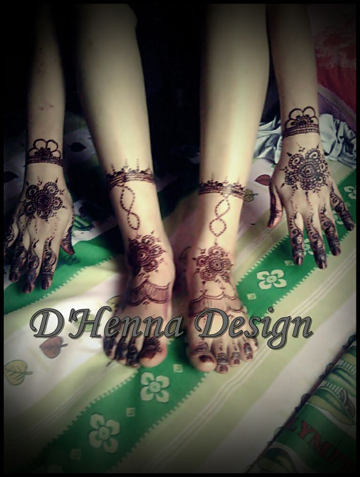 simple but nice mehendi design by. D'Henna