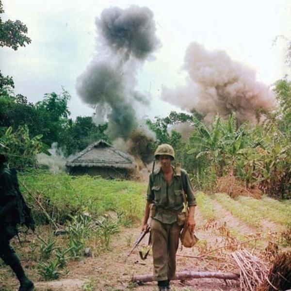 Το enallaktikos.gr ταξιδεύει στην Ινδοκίνα. Εναλλακτικός τουρισμός, Χο Τσι Μινχ, Βιετνάμ: Πολεμικό «Μουσείο των αμερικανικών Εγκλημάτων Πολέμου» και Reunification palace.