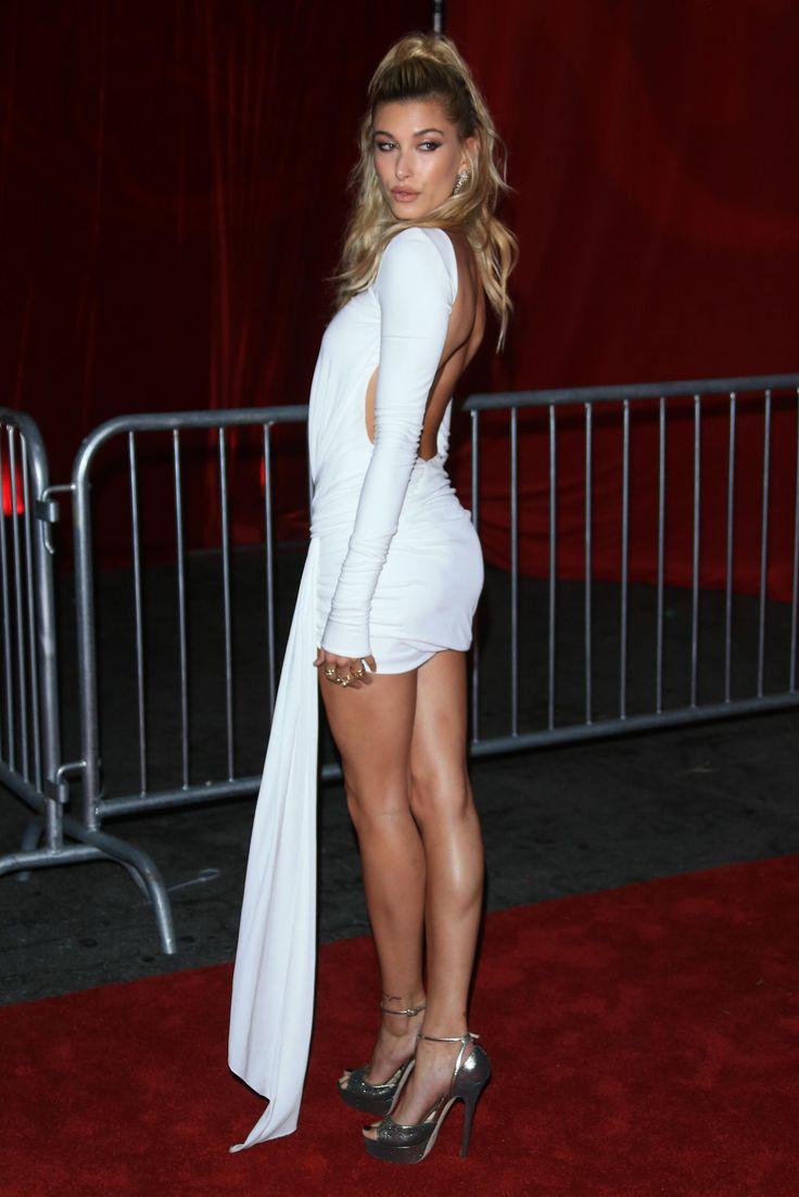 Hailey Baldwin's Feet << wikiFeet