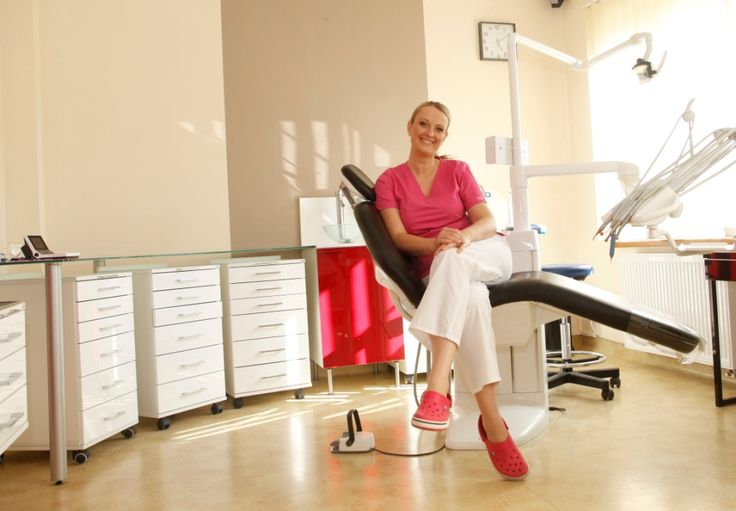 The place of work - modern, full of light, optimistic. Great for a catalogue and an dental office presentation.Fot. J.Kutyba