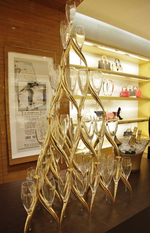Louis Vuitton Napoli. L'artigianalità e l'eccellenza del savoir faire nella lavorazione della pelle