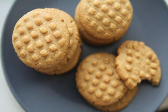 peanut butter sandies cookies | Desserts | Pinterest