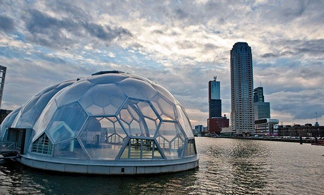 Het Drijvend Paviljoen or the Floating Pavillion is situated in the Rijnhaven in Rotterdam. It has been built on the water, and has the form of three halve spheres. Currently it is used as an exhibition center.