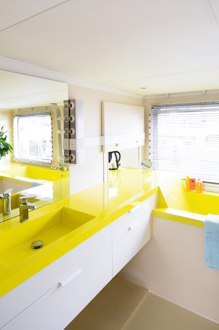 491 best images about bathrooms we like on pinterest for Amazing houses inside and out