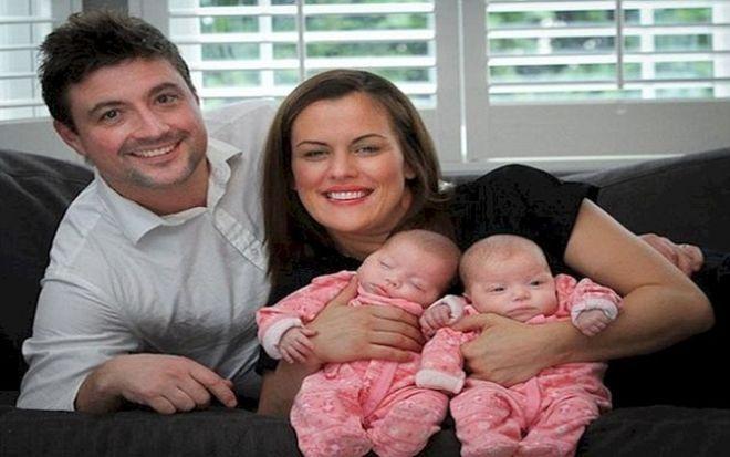 Μητέρα γέννησε πανομοιότυπα δίδυμα, αλλά όταν οι γιατροί αντίκρισαν την αδερφή της ΠΑΓΩΣΑΝ! Crazynews.gr