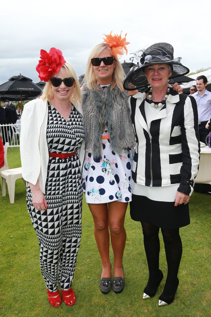 Coordination is key for a race day outfit and don't these ladies look LOVELY!