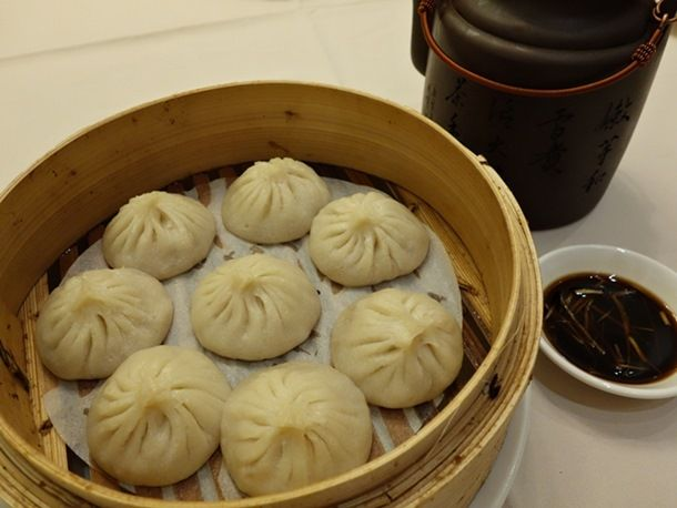 xiao long bao at shanghai river (seriouseats writer claims they are better than din tai fung's. the ones in the pic look a bit too big.)