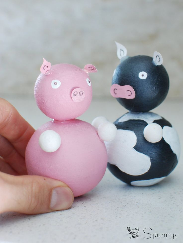 DIY farm animal figurines - cow and piggy