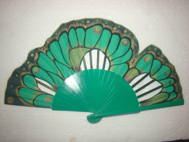 """.Abanico"""" Mariposa Verde"""" diseñado y pintado a mano por Abanicos Disimusa, Madera de Peral ,País de Algodón recortado Medidas 23 cm Mas modelos en www.disimusa.com y en facebook en www.facebook.com/..."""