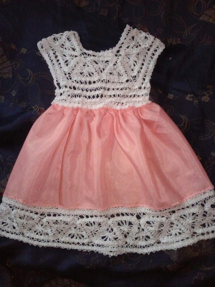 Комбинированное Платье для девочки до года)я старалась ,выполненно в моей любимой технике брюггского кружева +вставка из ткани