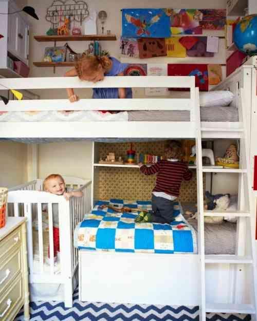 chambre mixte moderne avec lits superposés