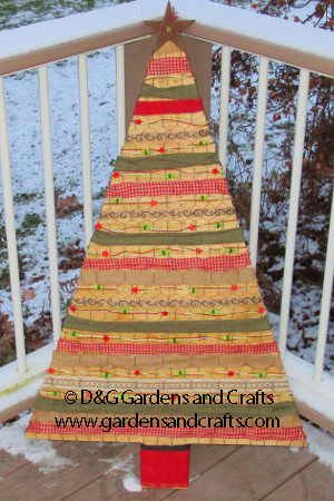 See how to make this Chicken Wire & Ribbon Christmas Tree | D&G Gardens and Crafts