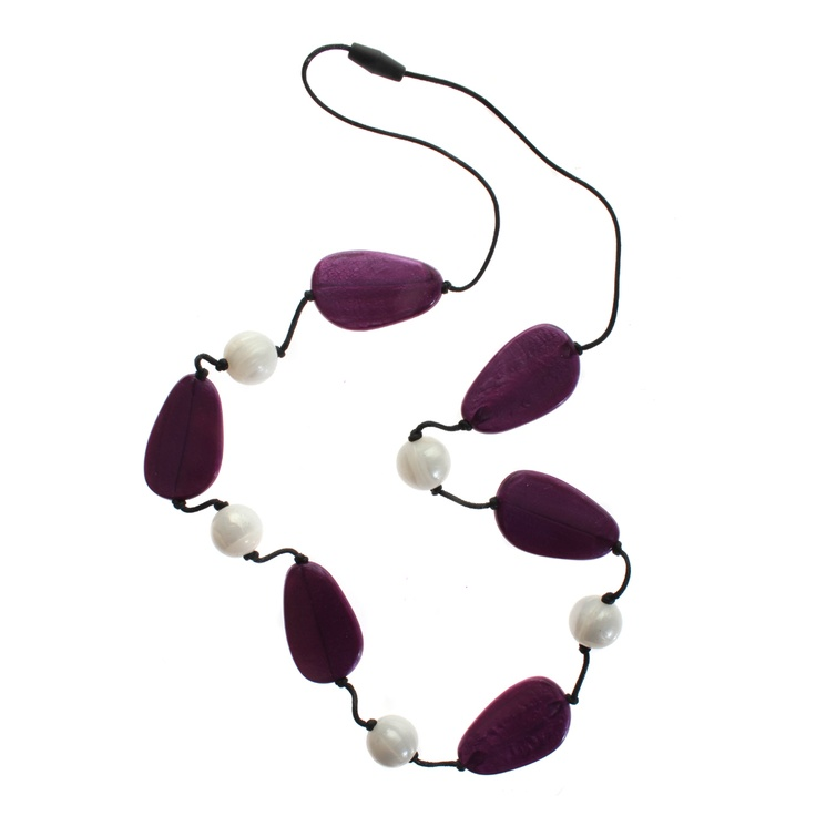 Pearlberry - teething necklace, award winning for mums of teething babies