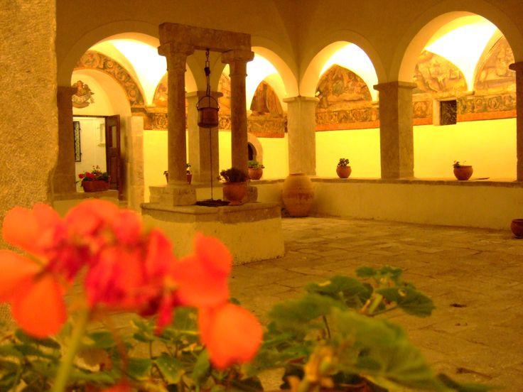 chiostro del Convento di Sant'Antonio a Polla (SA)