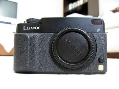Panasonic LUMIX DMC-L1 7.5 MP DSLR Camera: Dslr Camera