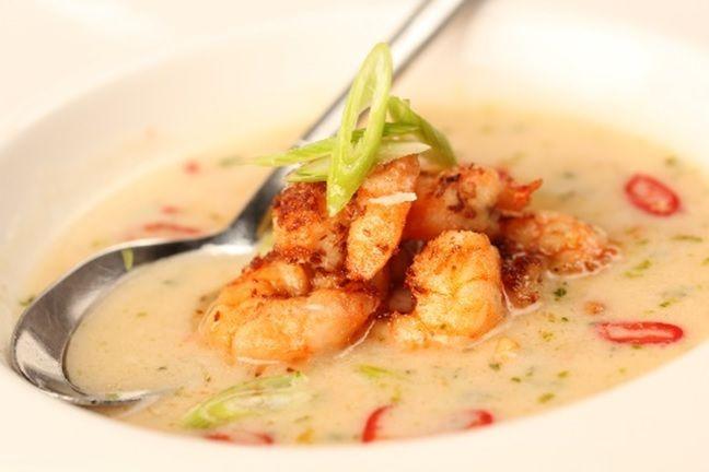 Heerlijk romige, licht-pittige soep van gamba's, kokosmelk en Original Spices Thai Red Curry.