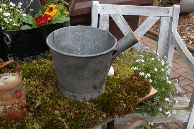 Vintage Blumentöpfe - alter Zink Wasserschöpfer - ein Designerstück von Ideenschmiede02 bei DaWanda