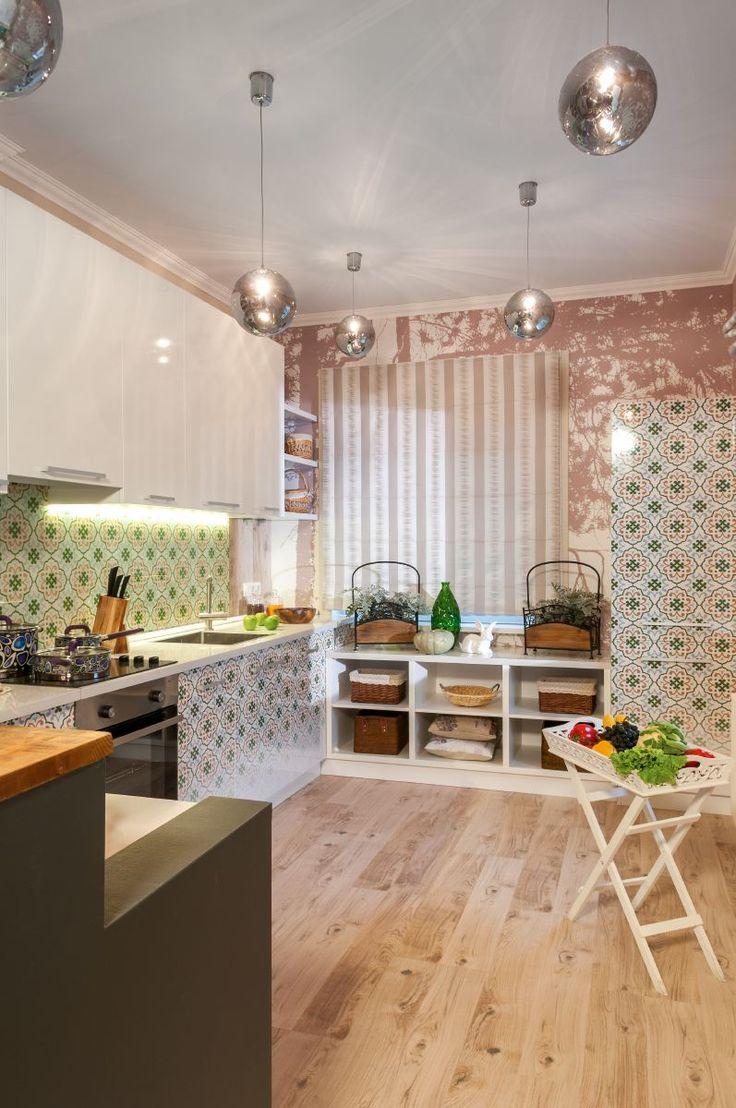 Интерьер кухни-столовой в программе Фазенда. Дизайнер Анна Путенис. Здесь использован вот такой пол http://www.corkstyle.ru/catalog/wood/Maple.html