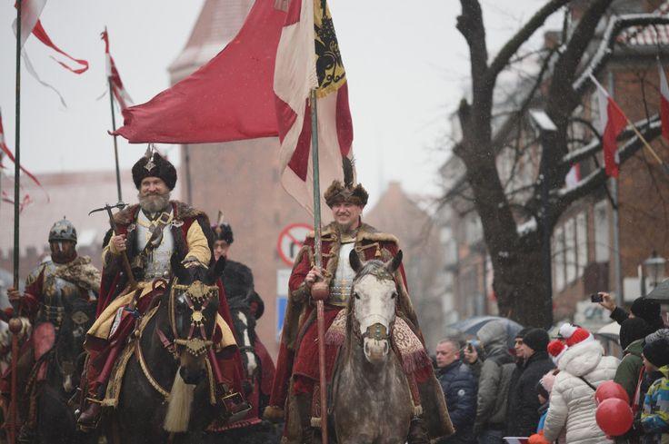 """lamus-dworski: """"Celebrations of Polish Independence Day in Gdańsk, Poland, 11.11.2016. Photos by Dominik Staniszewski / trojmiasto.pl """""""