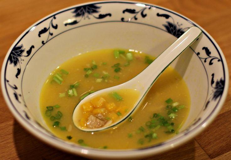 Chinesische Maissuppe mit Huhn