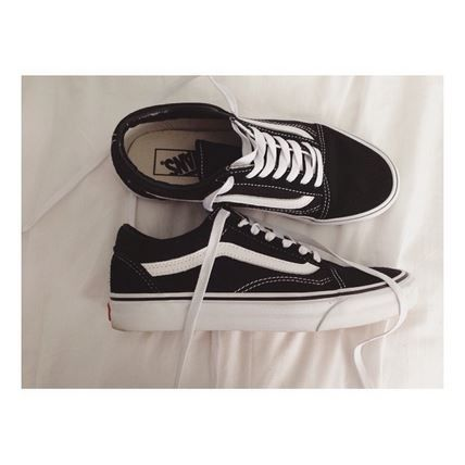 @victoriajryder has laid back style sorted in our favourite Vans Old Skool trainers.