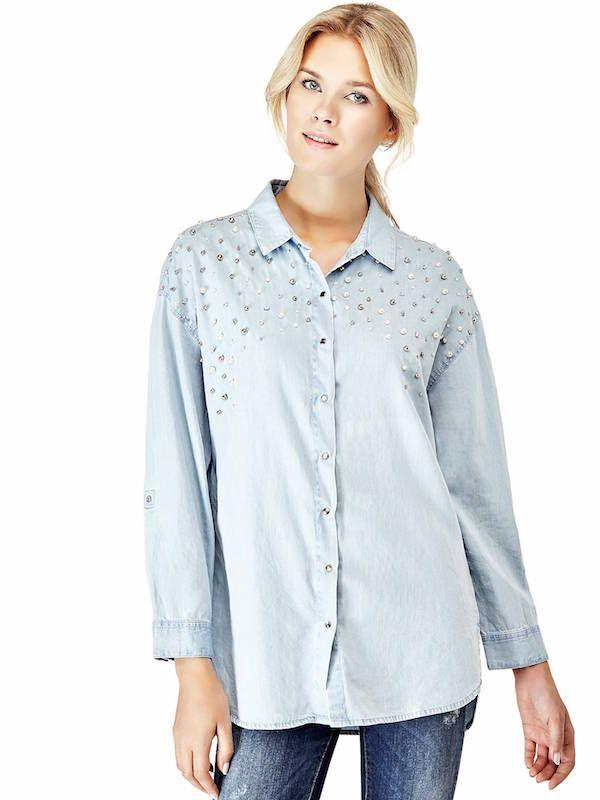 Conjunto Guess Otoño Invierno 2018 camisa celeste y pantalón de jean