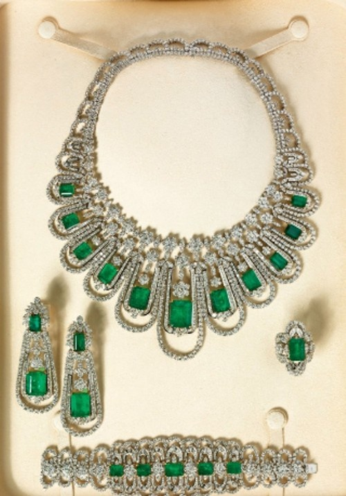 Emerald and diamond parure by Elie Chatila |Pinned from PinTo for iPad|