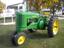 Antique Restored John Deere 4020 2040 3010 3020 720 620 420 Tractor for sale.