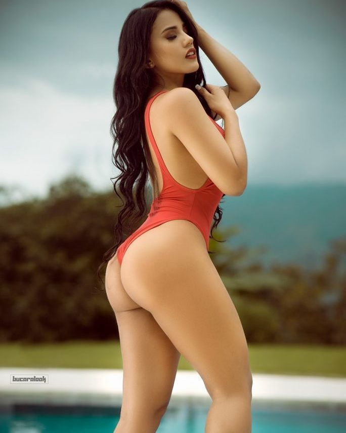 Súper sensual  #Modelo @karinagarcia062  #Fotografia @bucaralook  #ModelosColombianas