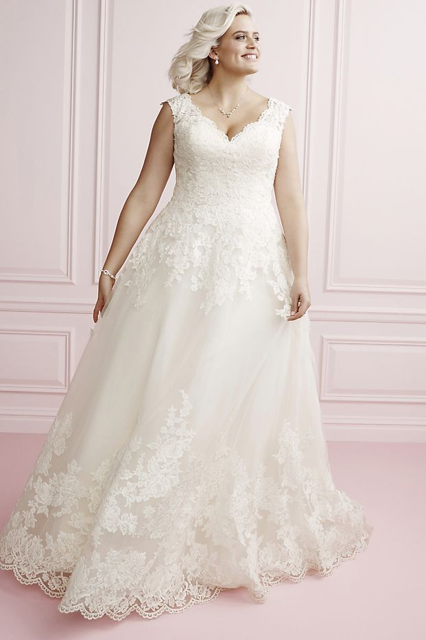 Scalloped Lace And Tulle Plus Size Wedding Dress David S Bridal Ball Gowns Wedding Bridal Ball Gown Modest Wedding Dresses