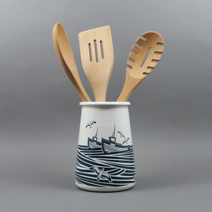 As we're based pretty close to Whitby, this is rather close to our hearts. A lovely design inspired by Whitby and mid-century Scandinavian cookware. A strong enamel pot which is perfect for storing utensils out on the worktop or as a great vase. It comes in a nice gift box too.