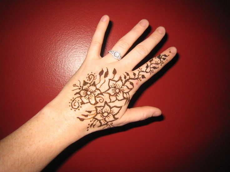 17 best Small Henna Tattoos images on Pinterest Small henna