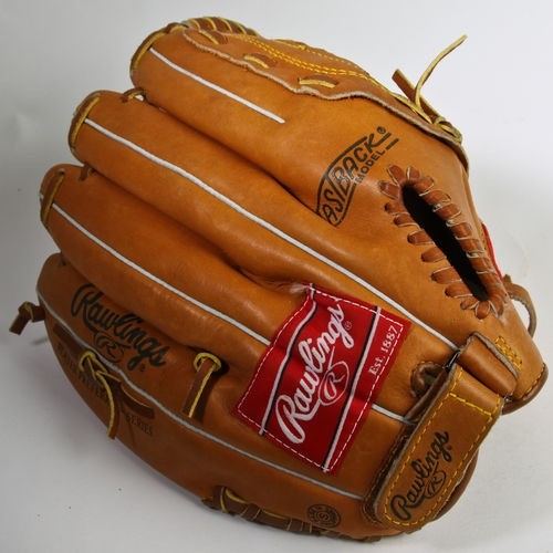Awesome Ken Griffey Jr Glove from the 90's, ...like new but better!