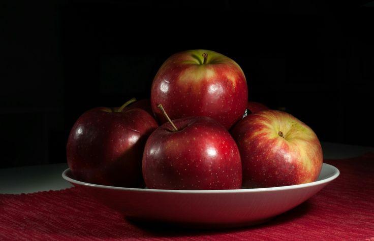 jablka sladká jako med; the apples