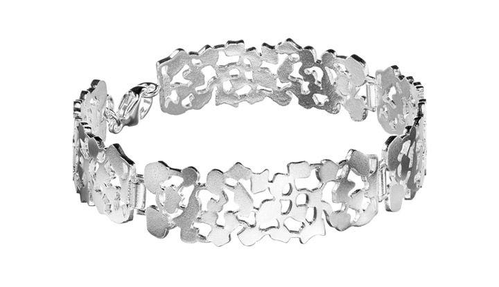 """""""Ritva Liisa Pohjalainen Runo"""" (quote) bracelet made of sterling silver  Finnish design by Ritva-Liisa Pohjalainen made in FInland by saurum.fi"""