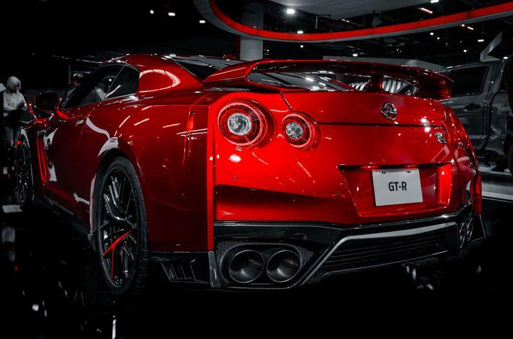 Red 2018 Nissan GTR