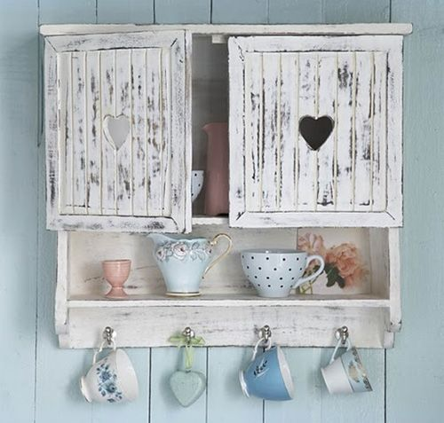 Vintage Shabby Chic Bedroom Ideas | Homey shabby chic living room: vintage wall storage for chic decor