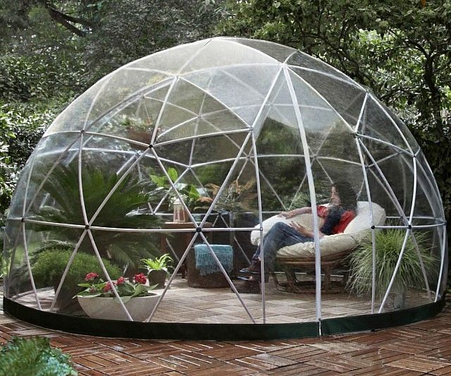 Create a comfortable outdoor living space you can use year round with the garden igloo. This multipurpose geodesic dome is made from rust-free recyclable materials, making it the ideal place to relax and enjoy the nature while taking a break from the elements.