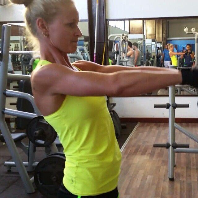 #shaping those floppy #shoulders  #getfit #girlswithmuscle #fitchick #instafit #instafitness #fitness #icaniwill #progress #fitnessaddict #fitnessmotivation