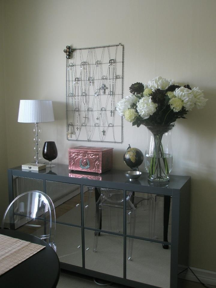 Living room. Mirrored furniture