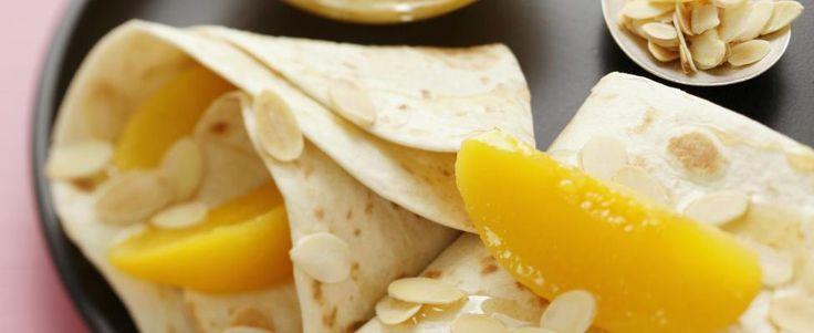 pannenkoeken met perzik en amandel