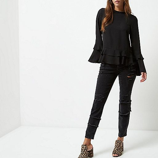 Crepe fabric Frill detail Loose fit Long sleeve Loop back fastening Our model wears a UK 8 and is 175cm/5'9'' tall