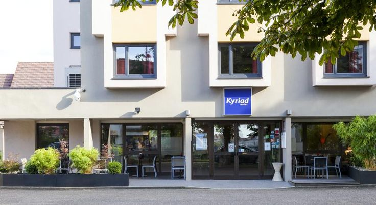 Kyriad Hotel Strasbourg Lingolsheim Lingolsheim This Kyriad hotel provides en suite accommodation 8 km from the centre of Strasbourg. It offers free Wi-Fi throughout the hotel and free on-site parking.