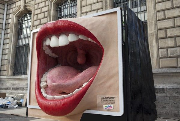 Street Marketing operation created by TBWA Paris for SNCF