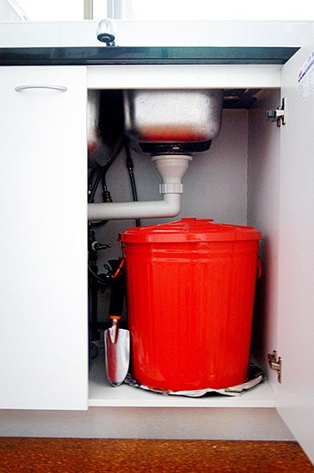 Hide this cute little composter away under your kitchen sink while it works its magic and creates what you need to feed your garden soils. Larger than other ideas, this concept takes a small garbage pail and transforms it into something a bit more usable.