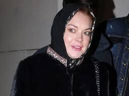 Rumour mills abuzz as Lindsay Lohan spotted wearing headscarf ...