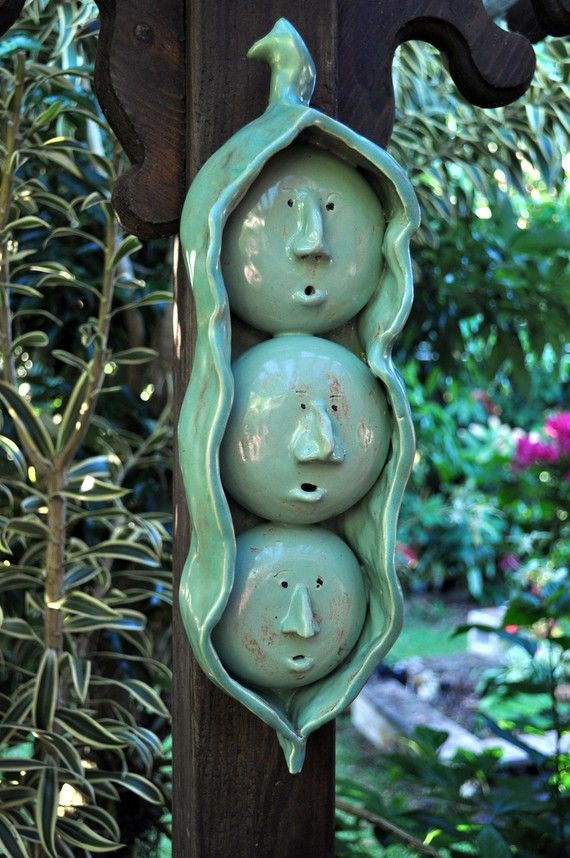 Three Peas in a Pod Ceramic Sculpture-great idea for a garden marker (smaller of course)