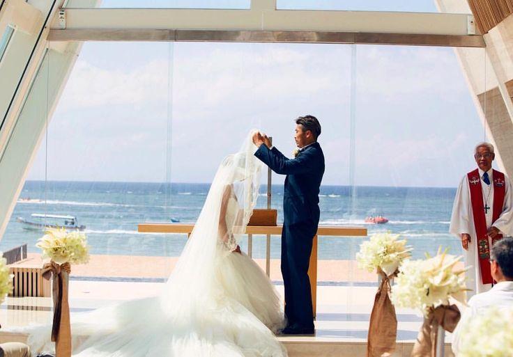 いいね!1,931件、コメント5件 ― 🦋Justine Kurihara 栗原 ジャスティーン🦋さん(@shell.jay)のInstagramアカウント: 「💗💗💗✨ #ベールアップ #バリ#コンラッド#conrad #conradbali #infinity #beach#beachwedding #ocean#wedding#galialahav…」