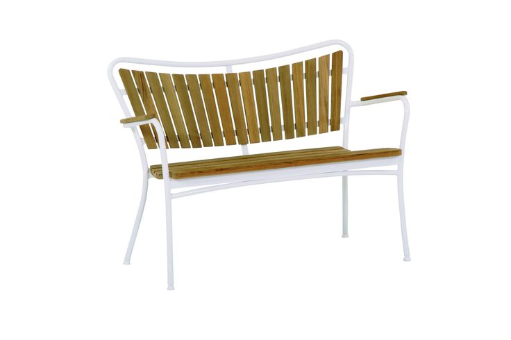 Marguerit stackable bench - teak and aluminum frame  -design by Mandalay Denmark. mandalay.dk